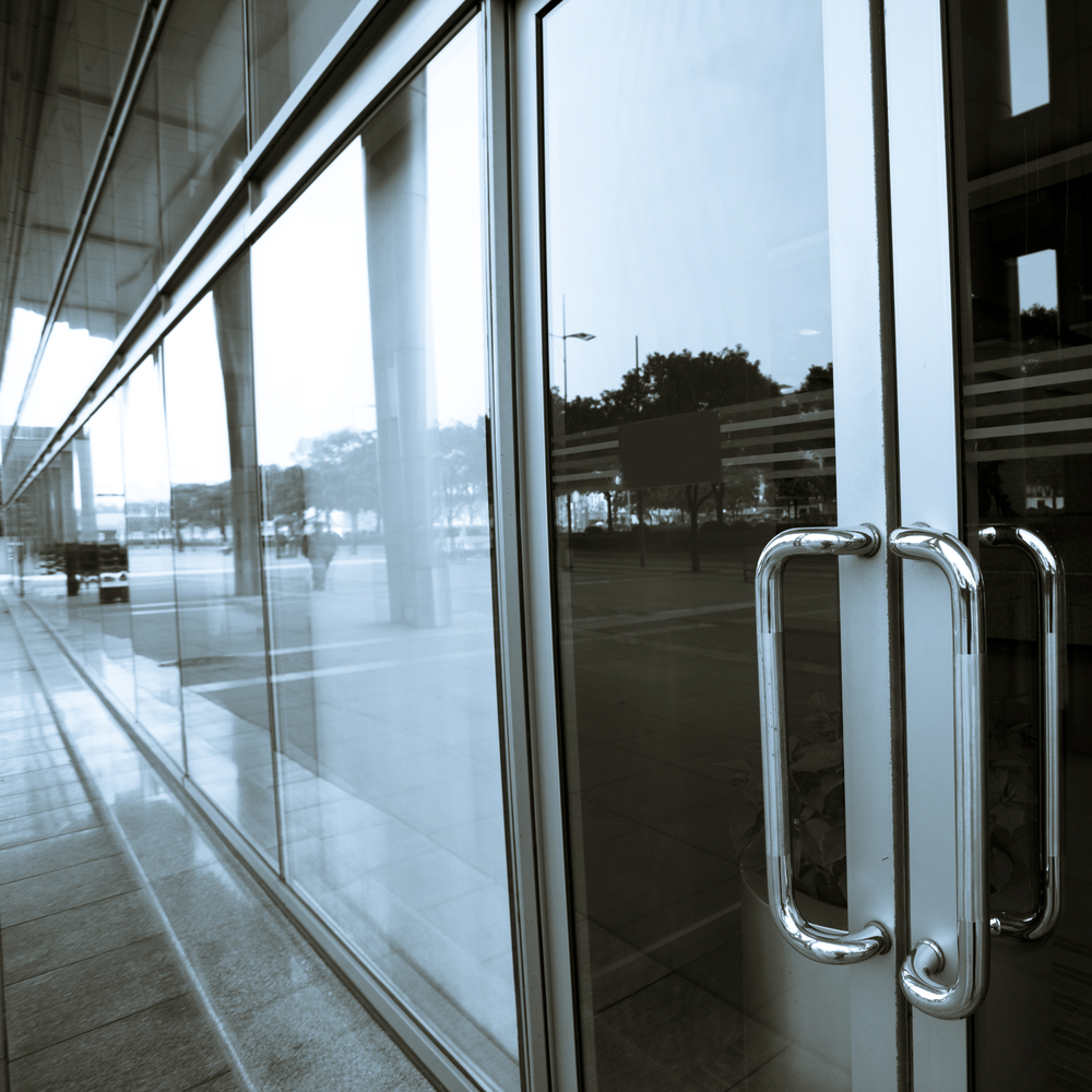 Commercial-storefront-Sliding-Glass-Door-Repair